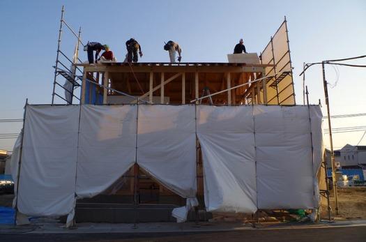 野地板の施工。建て方も終わりに近づきました。